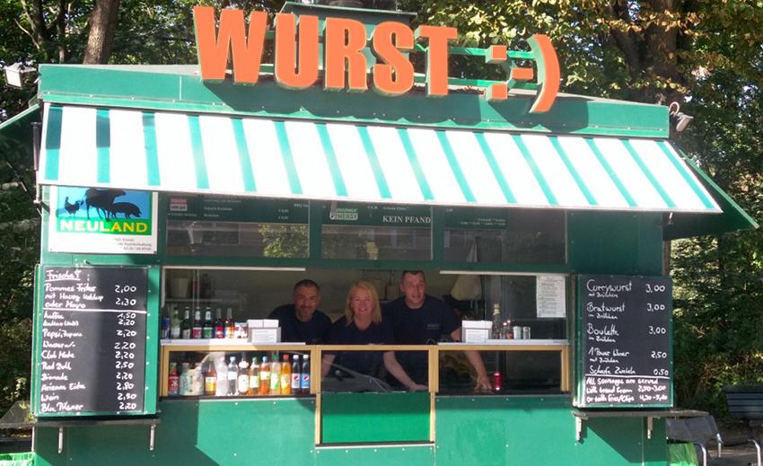 currywurst berlin wurst am brandenburger tor home. Black Bedroom Furniture Sets. Home Design Ideas